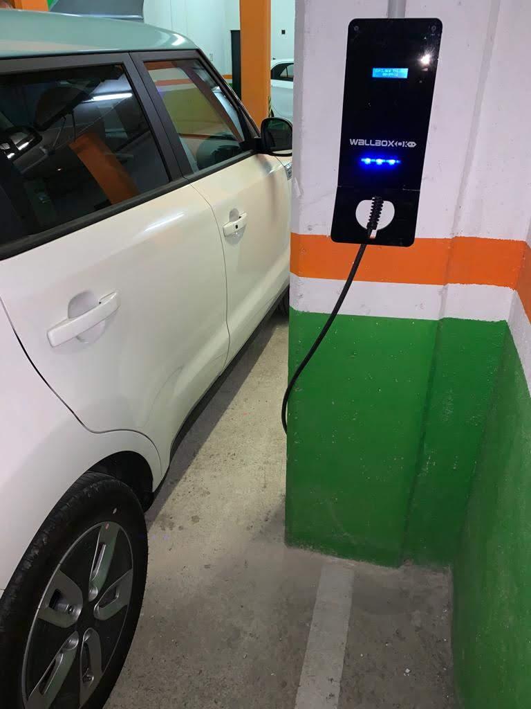 Aumento de vendas de carros elétricos demandam wallbox dark v2c