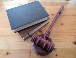 Legislação para veículos elétricos e postos de carregamento
